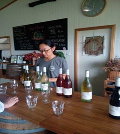 オーストラリア初の日本人醸造家、ラドクリフ敦子氏に聞く                日本人経営のワイナリー「スモール・フォレスト」