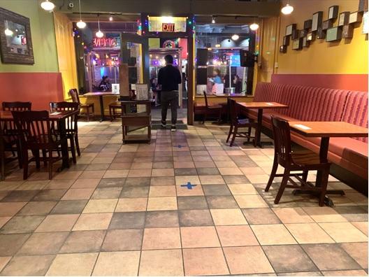 写真 屋内営業を開始した市内のレストラン(ジェトロ撮影)