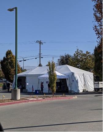 写真 サンフランシスコ湾東側イーストベイの早期投票所の様子(ジェトロ撮影)